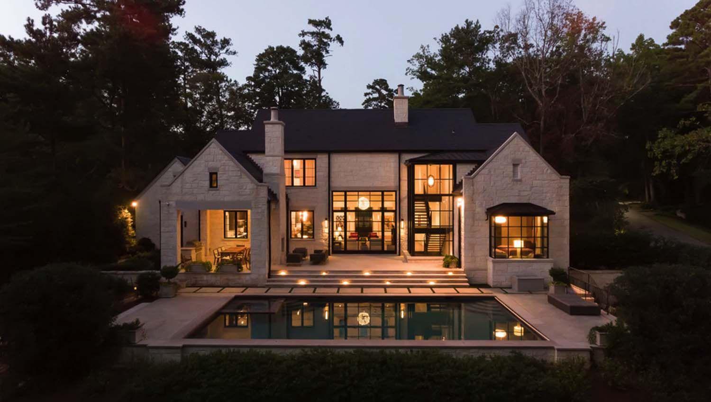An Atlanta residence blends traditional detailing