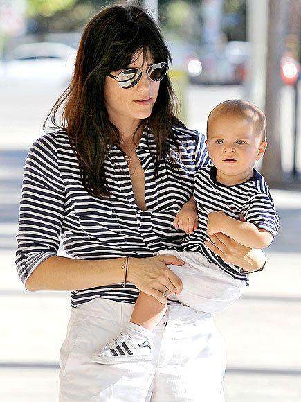 a7df009a4a2792 Tal mãe, tal filho. | Foto Mae de menino | Moda mãe e filha, Tal pai ...
