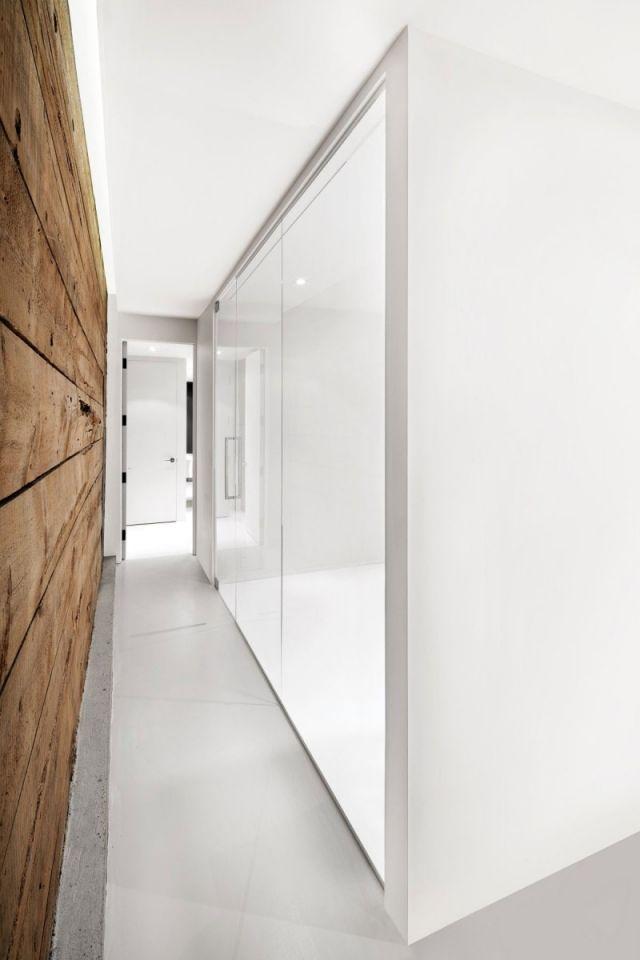 Attractive Glas Weiß Kontrast Rustikales Holz Flur Wandgestaltung Ideen Wanddesign
