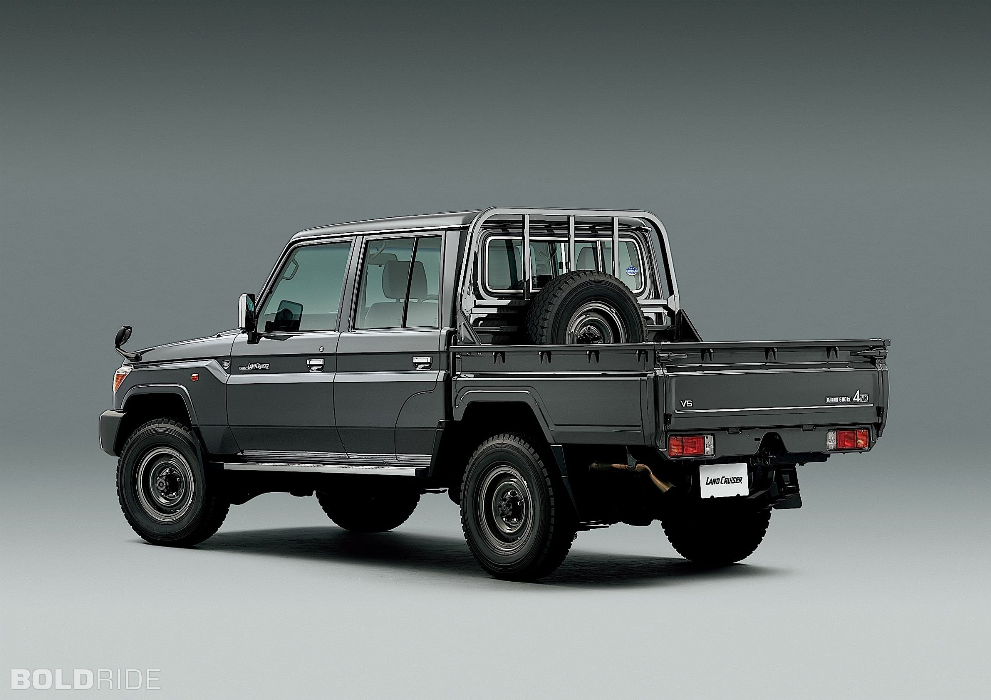2015 toyota land cruiser 70 series limited edition images