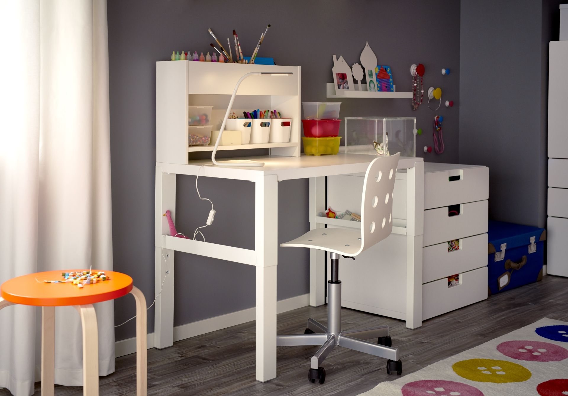 PÅhl bureau met opbouwdeel wit boys room desk