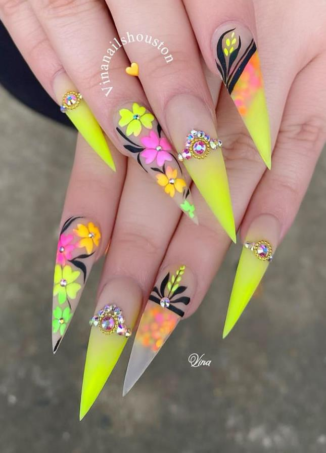 Don T Miss The New Trend Of Stiletto Nails Ideas Fashion In The Spring Of 2020 Keep Creating Beauty And Warm Home Find More Happiness In Daily Life In 2020 Stiletto