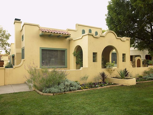Best 25 spanish bungalow ideas on pinterest spanish for Spanish colonial exterior paint colors