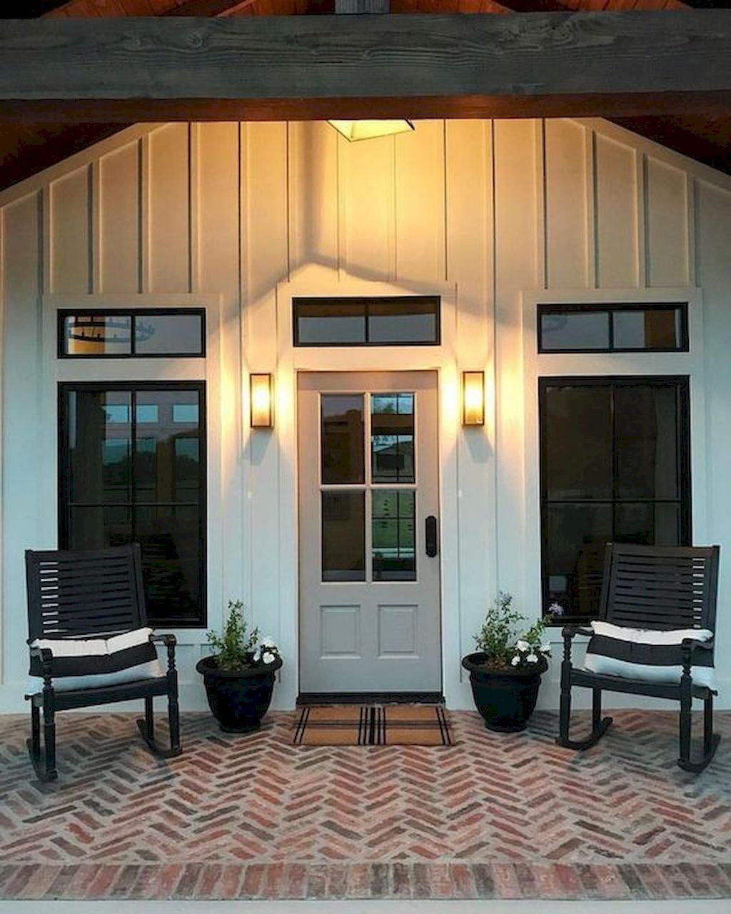27 Modern Farmhouse Exterior Design Ideas For Stylish But Simple Look: Modern Farmhouse Exterior, Brick Patios, House