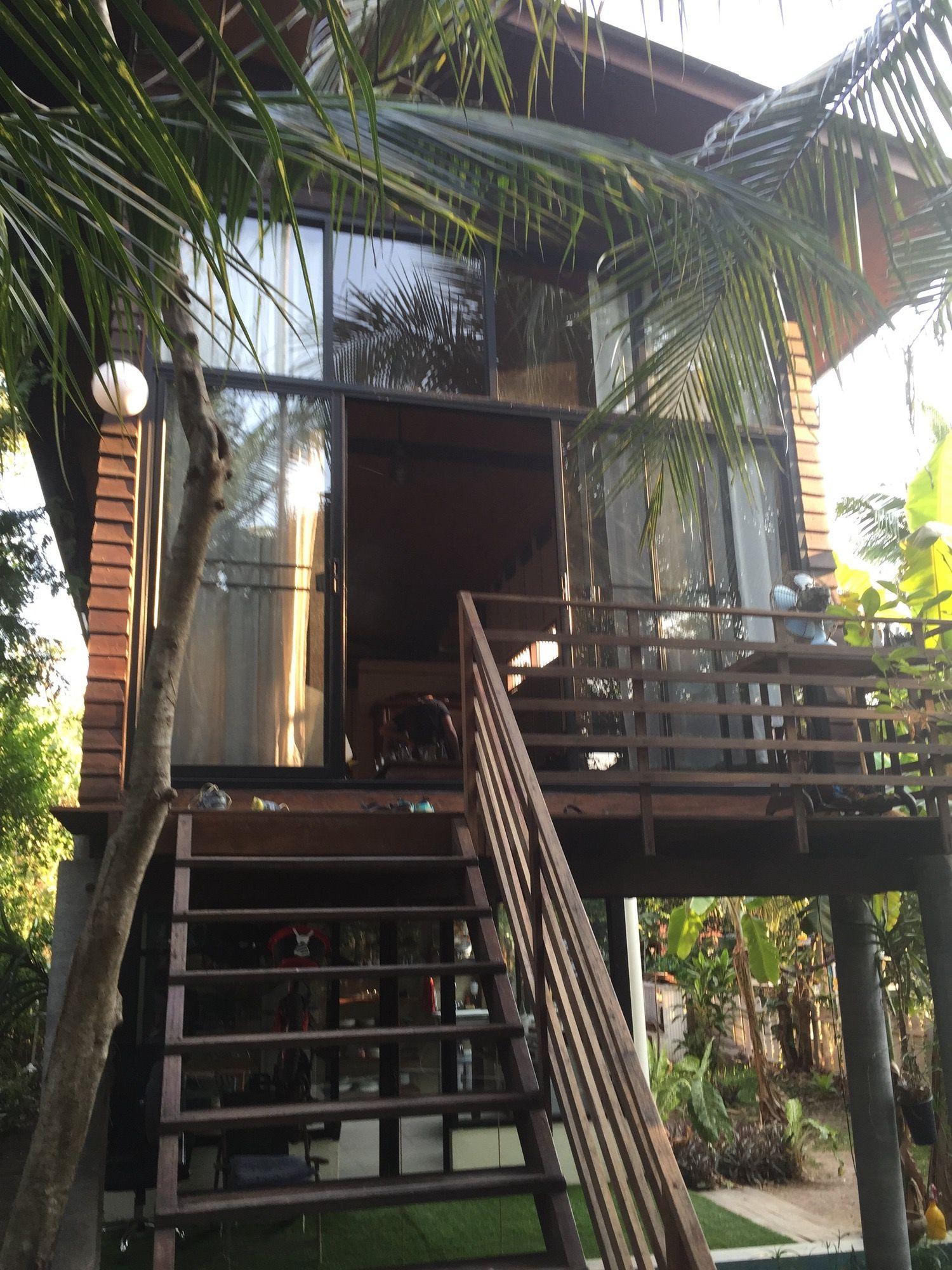 Alisa & Landry\'s Modern Meets Traditional Thai Retreat ...