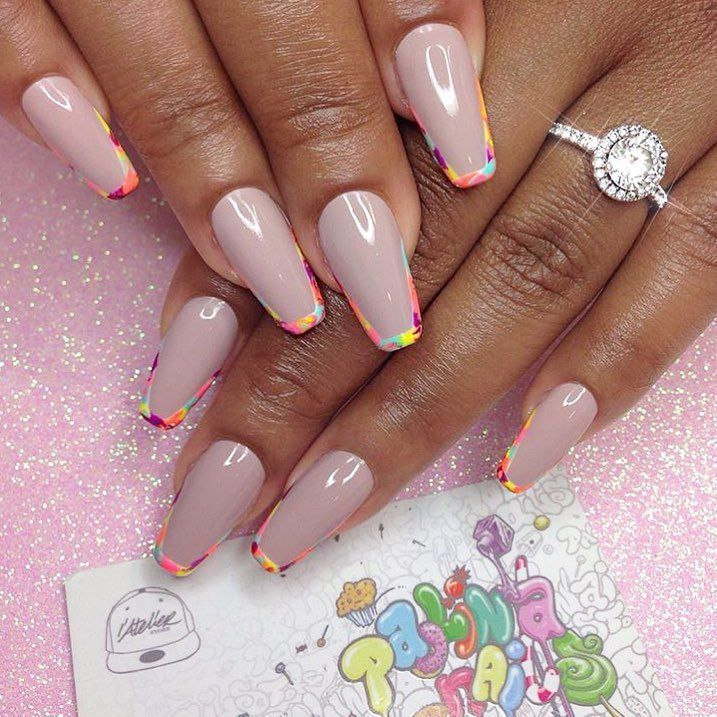 Neon outline nails by @paolinanails