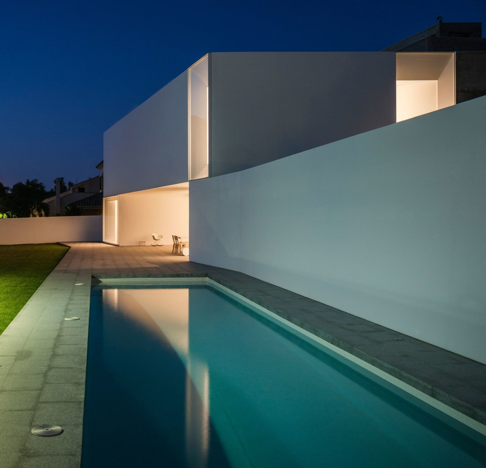 Adolfo prez fernando alda star 18 be arquitectura the house is located in a plot which has been divided in two parts to built two semi detached houses in the vistahermosa residential area in el puerto de sciox Choice Image