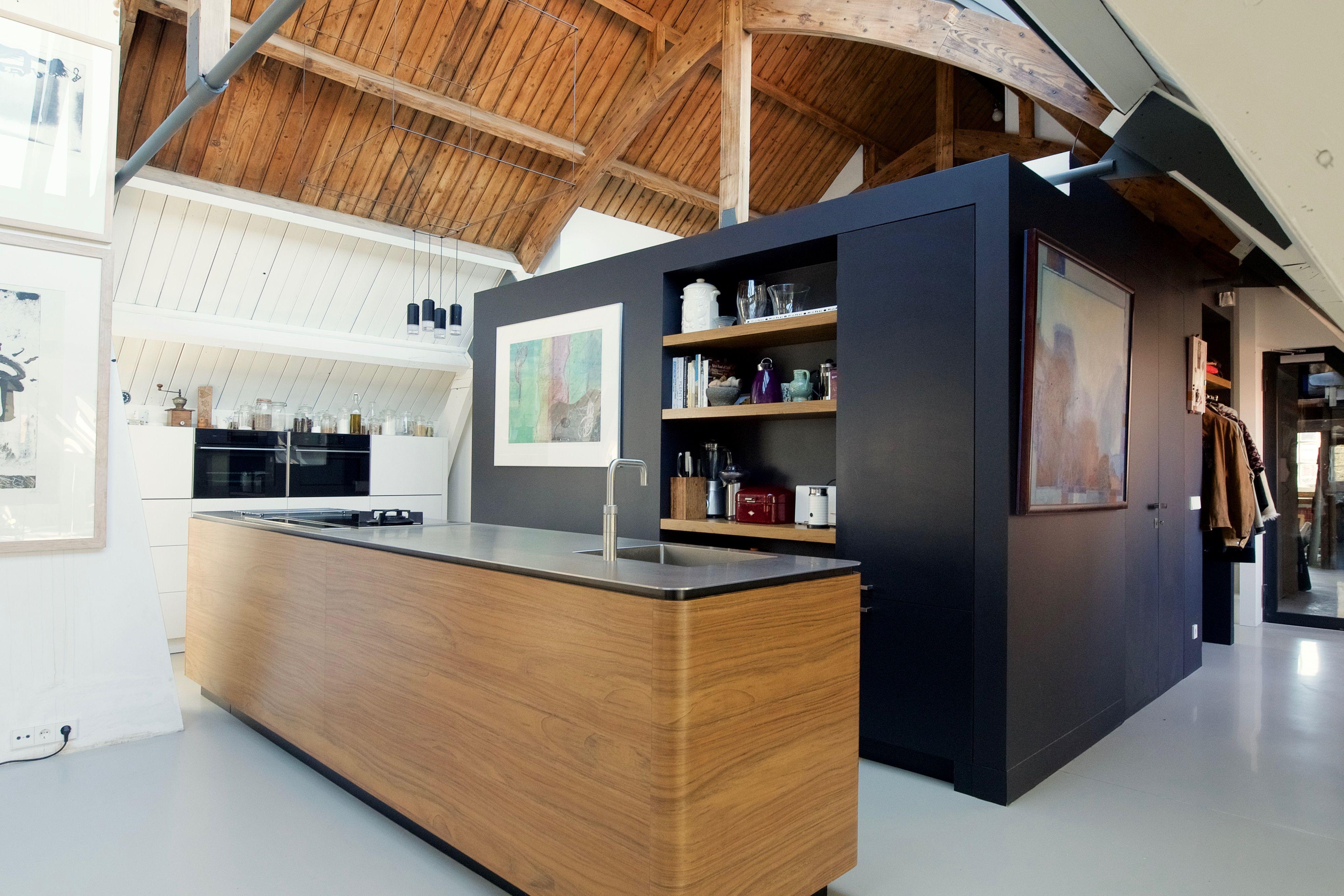 Afzuigkap Op Maat : Keuken op maat van doorlopend fineer op multiplex massief rvs van