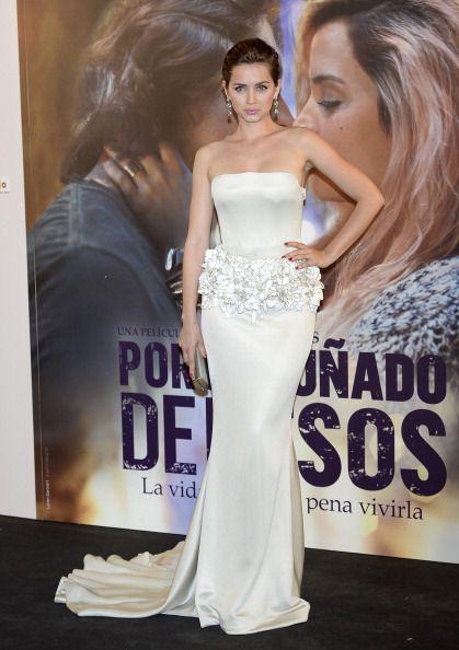 Ana de Armas attends the 'Por Un Punado de Besos'
