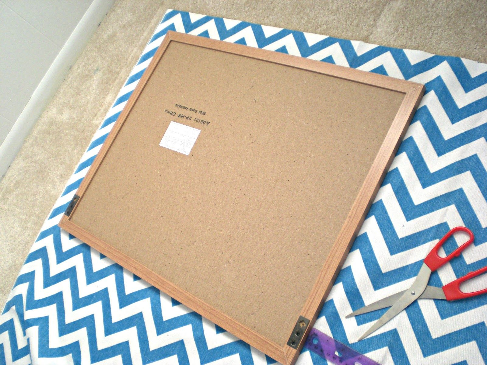 Delicious Spaces: DIY: Faux Nail Head Trimmed Cork Board