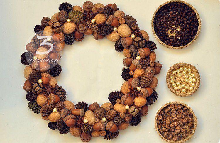cr er une couronne d 39 automne avec des noix glands perles. Black Bedroom Furniture Sets. Home Design Ideas