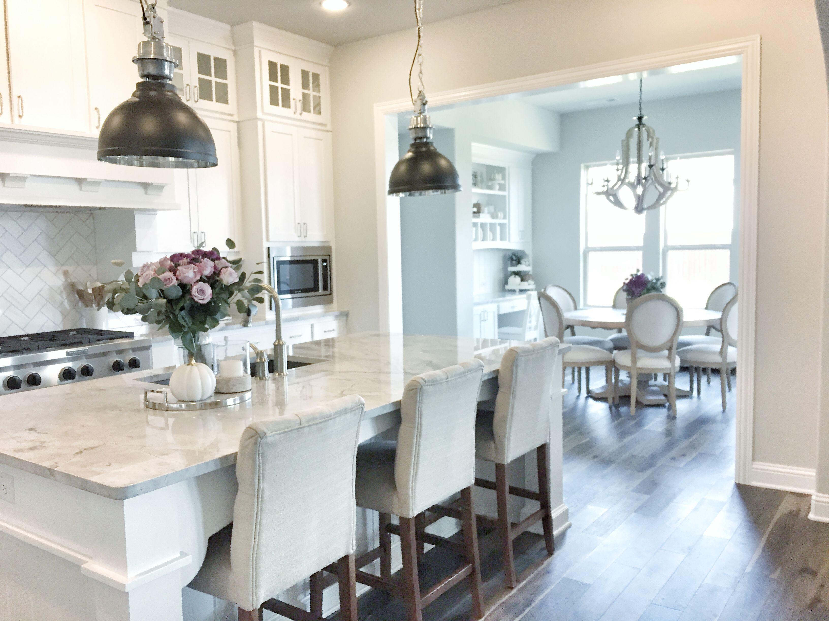 Kitchen inspiration, white kitchen | Instagram @mytexashouse ...