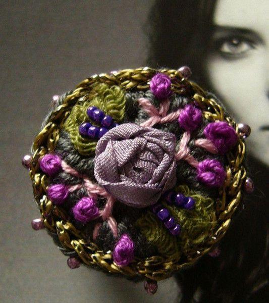 Häkelring Mit Röschen Bestickt Wwwcrochet Jewelsde Crochet