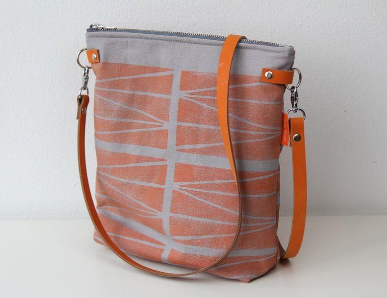 "Neu! Canvastasche ""grahpic lines"" in mandarine von dabelju:design auf DaWanda.com"