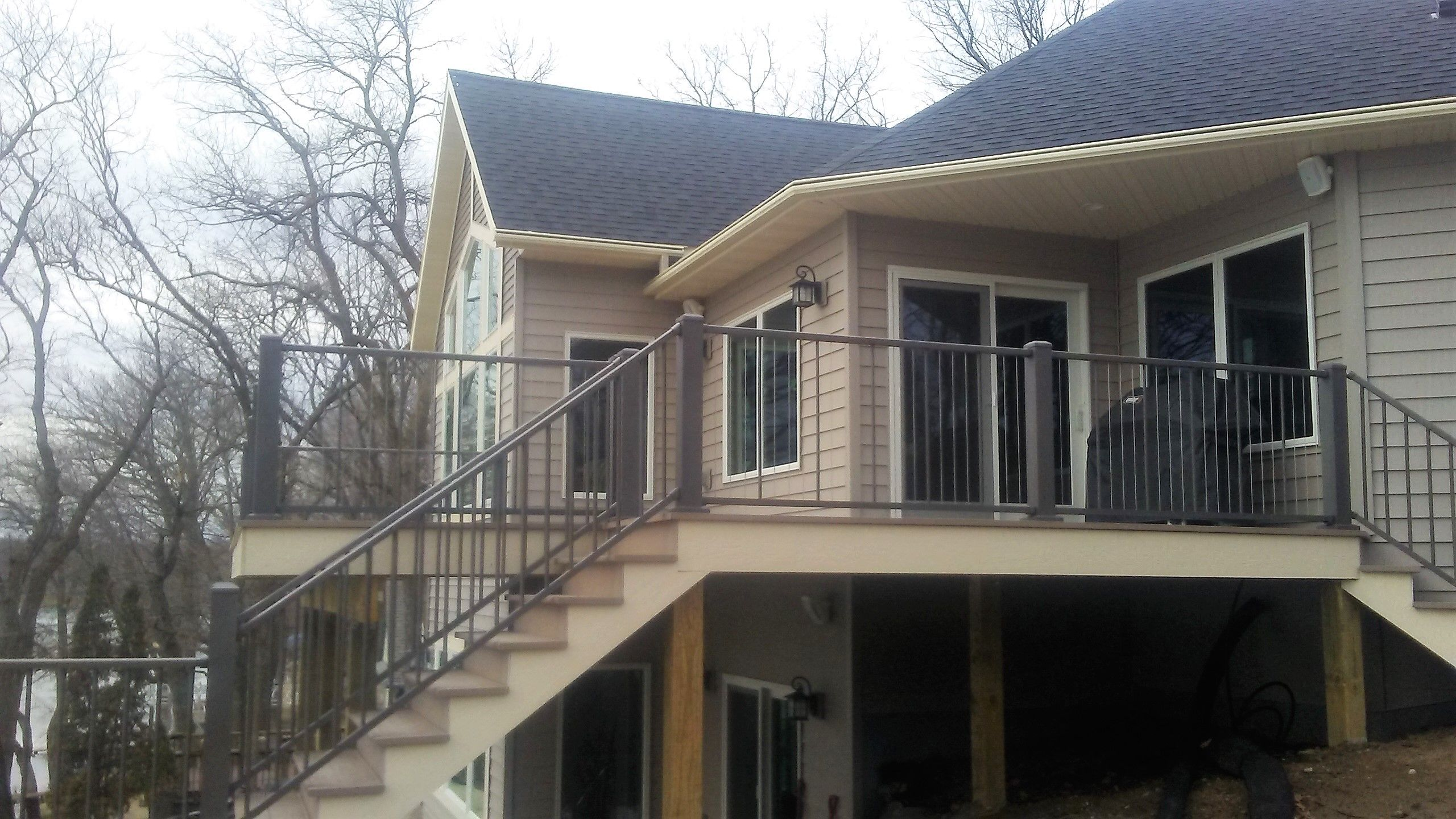 Leafguard Gutter System Installed On New Construction Lake Home How To Install Gutters Seamless Gutters Installation