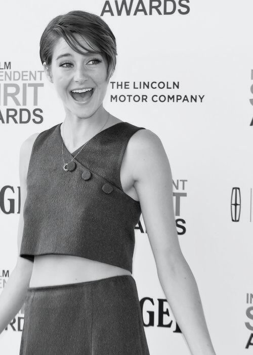 Guys please follow @Shailene Woodley because she is such an amazing person. She is so down to earth, gorgeous, kind, fun and a fantastic actress. She has inspired me so much and has given me a new motivation in life and I hope she does the same for you. Shai, I love you, you're amazing <3