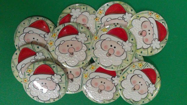 ceramica come mestiere: Tondi in ceramica. Decori natalizi Babbo Natale.