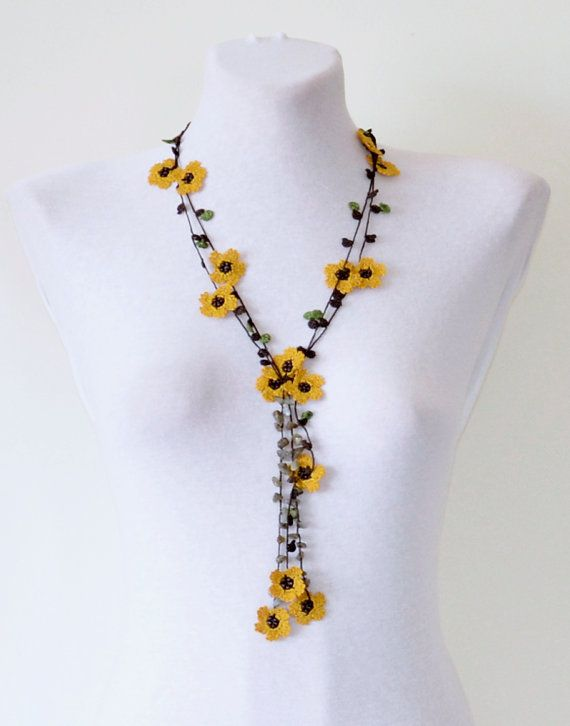 Collier au Crochet, fleurs moutarde Lariat, collier automne, cadeau Unique pour les femmes, collier de perles Oya, Boho Crochet bijoux en perles