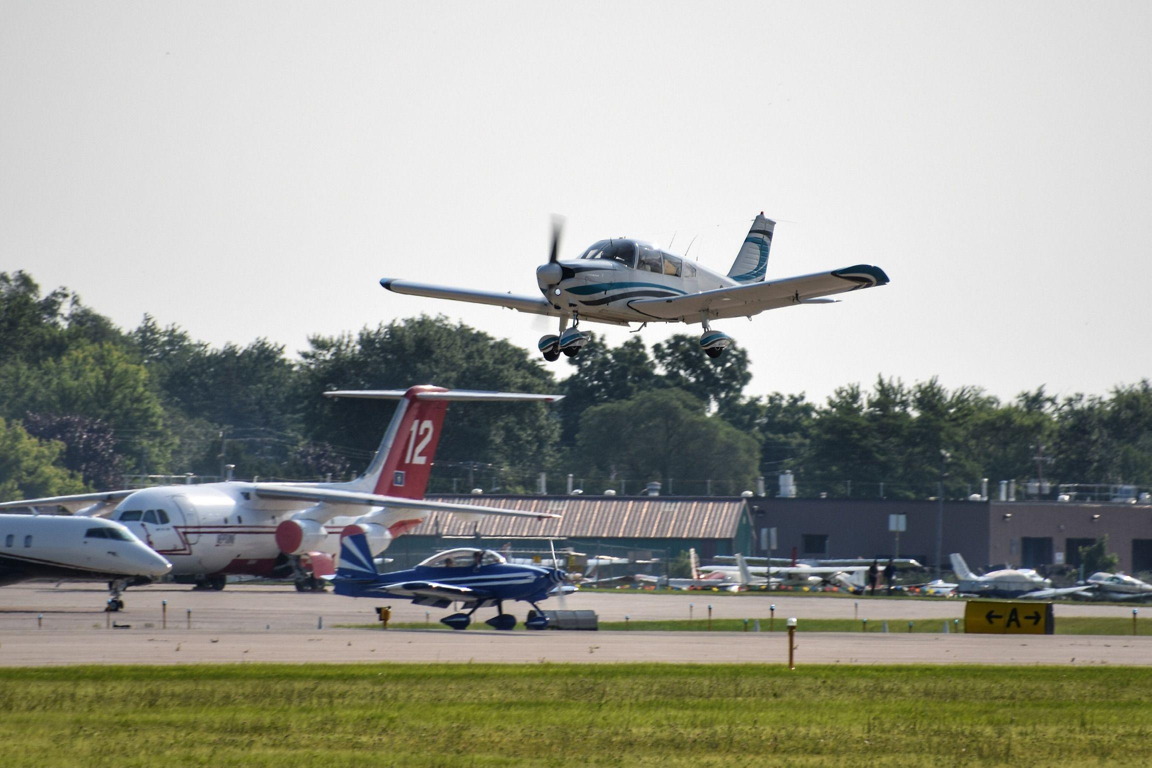 The aircraft keep arriving at OSH19 OSH19 50inOSH EAA