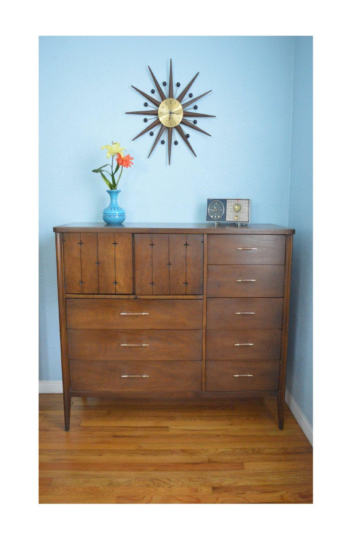 Best Vintage Mid Century Modern Broyhill Saga Magna Dresser By 400 x 300