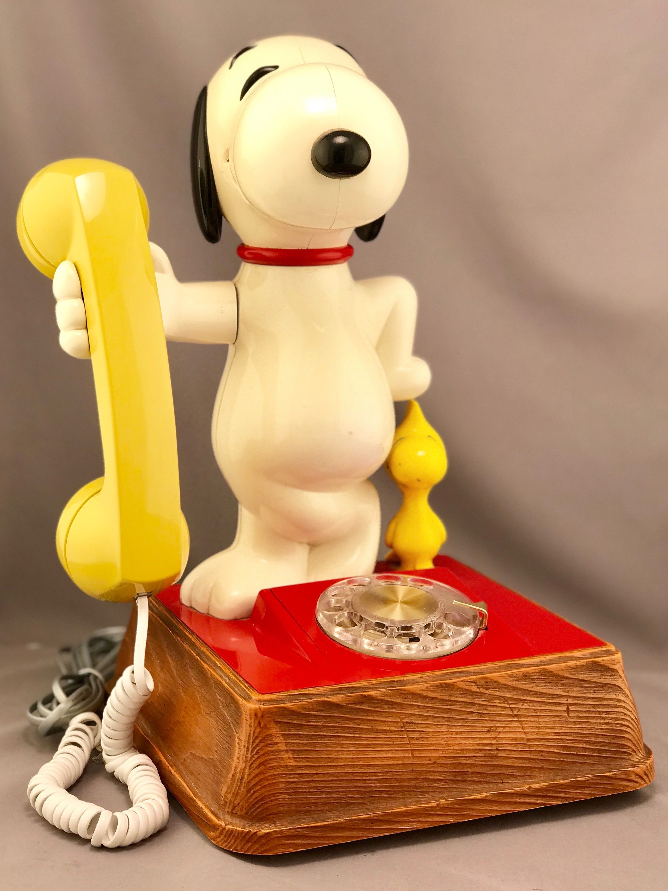 The Snoopy And Woodstock Telephone With Images Snoopy And