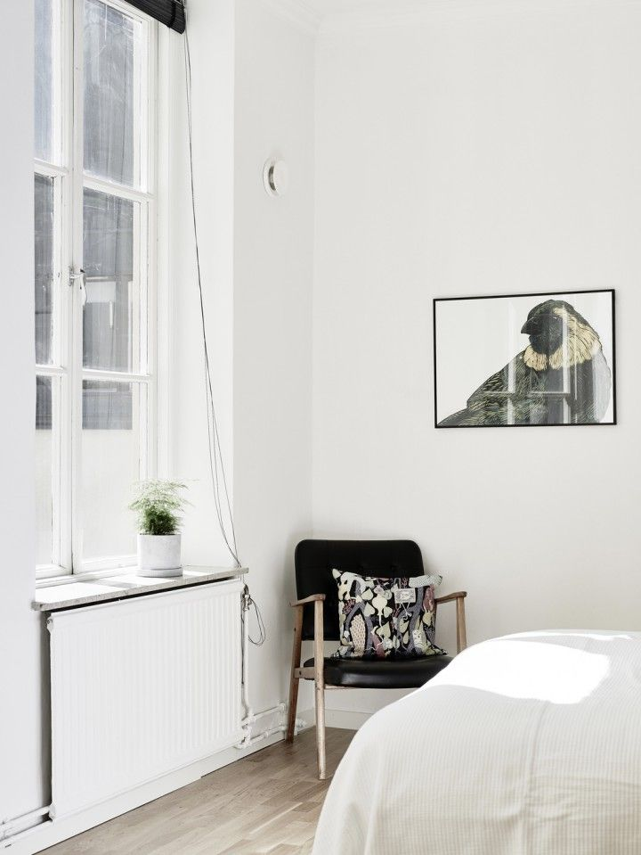Paredes Blancas Maderas Oscuras Decoración Estilo Nórdico Decoración De  Salones Decoración De Interiores Decoración De Dormitorios
