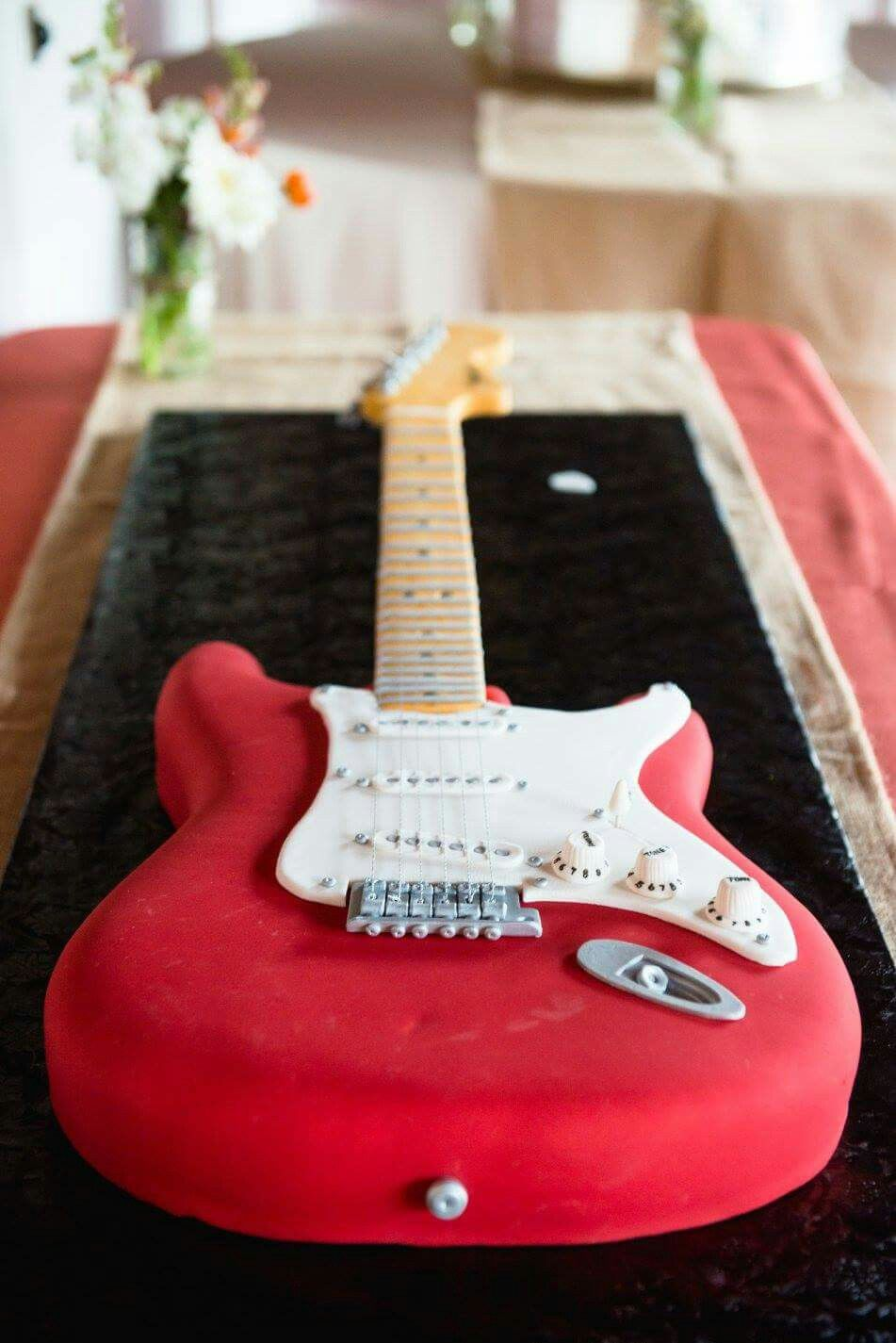 Guitar Cake Bob S 60th Pinte
