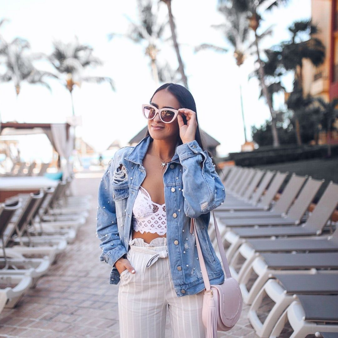 826acd53a62c Blogger Sarah Lindner of The House of Sequins wearing free people sunday  funday tucker denim jacket