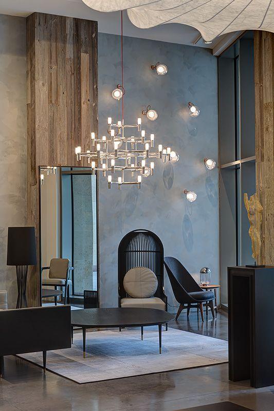 Wohnzimmer mit riesigem kronleuchter interiordesign interiorinspiration einrichtungsideen - Wohnzimmer kronleuchter ...