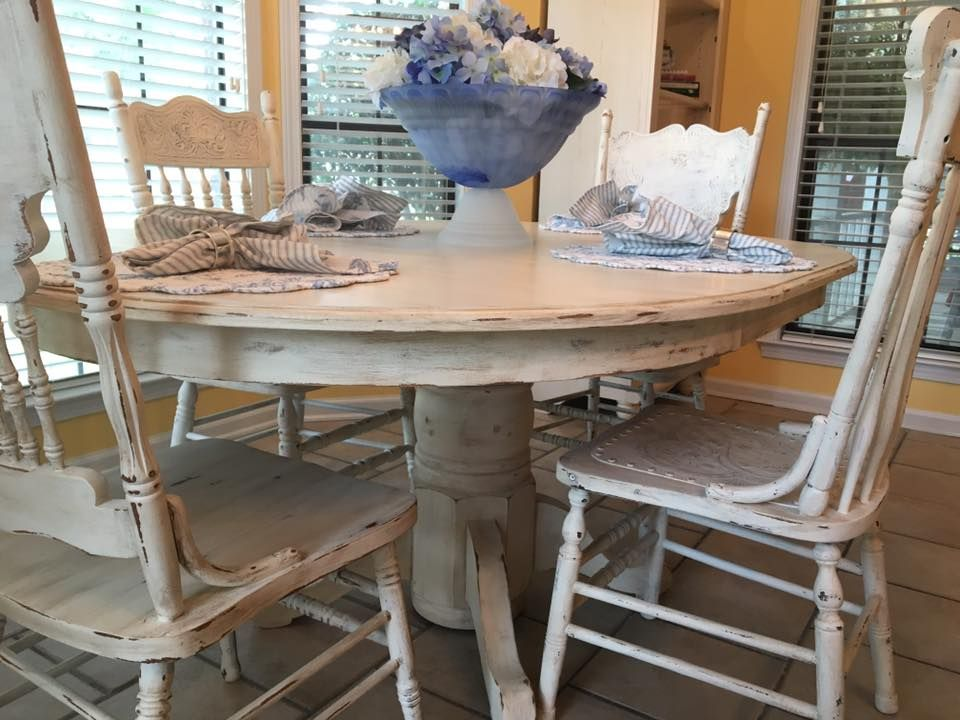 Connie Thornton At Home To Roost Creations Used Buttercream As A Perfect Color Choice For Country Kitchen Tables Painted Kitchen Tables White Painted Furniture