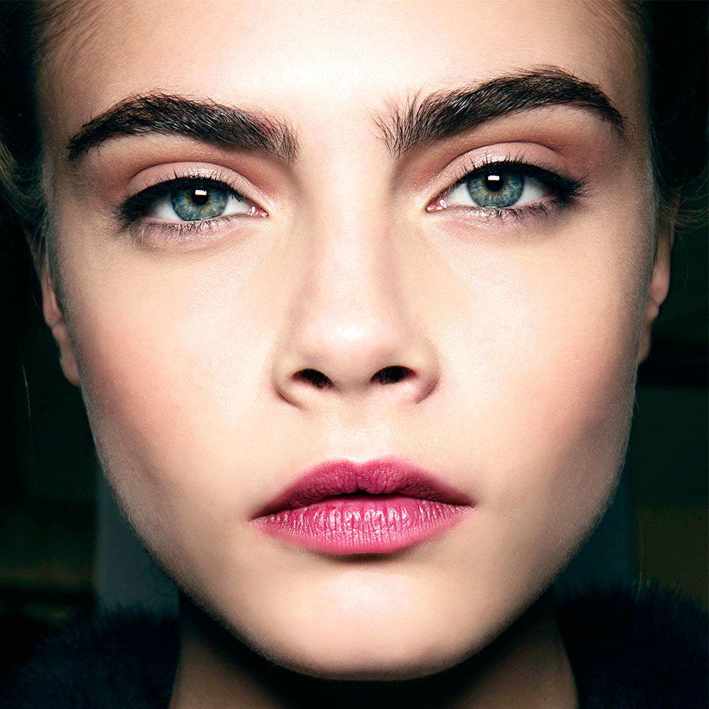 Beauty Insider (Weekend) Perfect eyebrows, Skin makeup