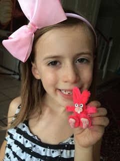 How to make a pipe cleaner Bunny.      Gloucestershire Resource Centre http://www.grcltd.org/home-resource-centre/