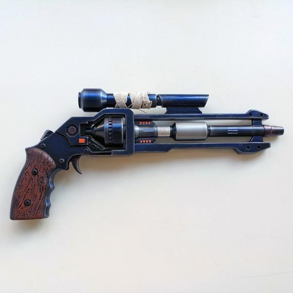 Mandalorian heavy blaster Smugglers revolver - Old Republic star