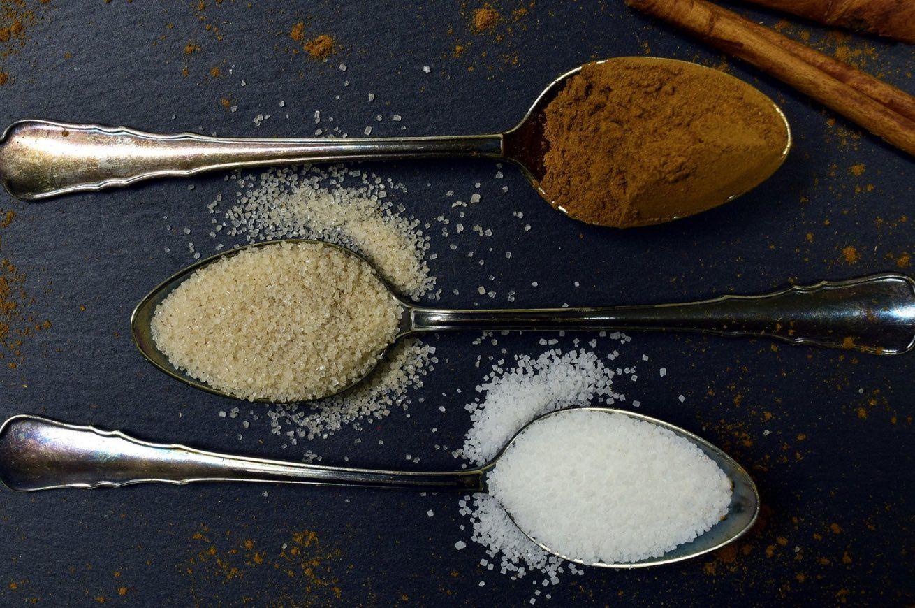 Come Pesare Il Cibo Senza Bilancia In Barba A Diete E Ricette Precisette Cibo Tazzine Da Caffè Vasetti Di Yogurt