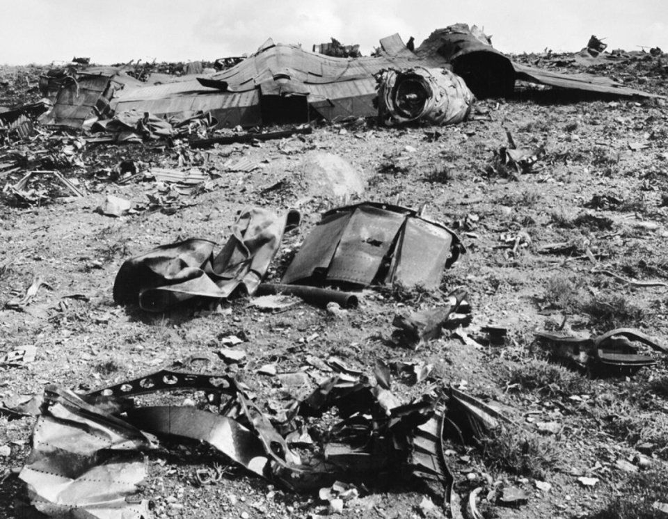 Area 51's famous upsidedown Blackbird photo explained