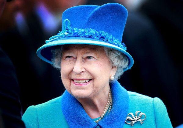 Queen Elizabeth II Photos - Queen Elizabeth II Becomes Britain's Longest Reigning Monarch - Zimbio