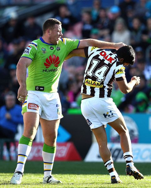 Tyrone Peachey Photos Photos Nrl Rd 20 Panthers V Raiders Nrl Rugby Men Rugby League