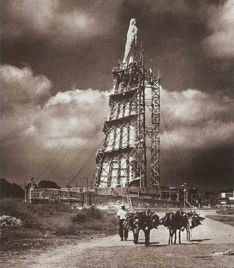 1950 Construccion Monumento A Los Ninos Heroes Guadalajara Historia De Mexico Jalisco