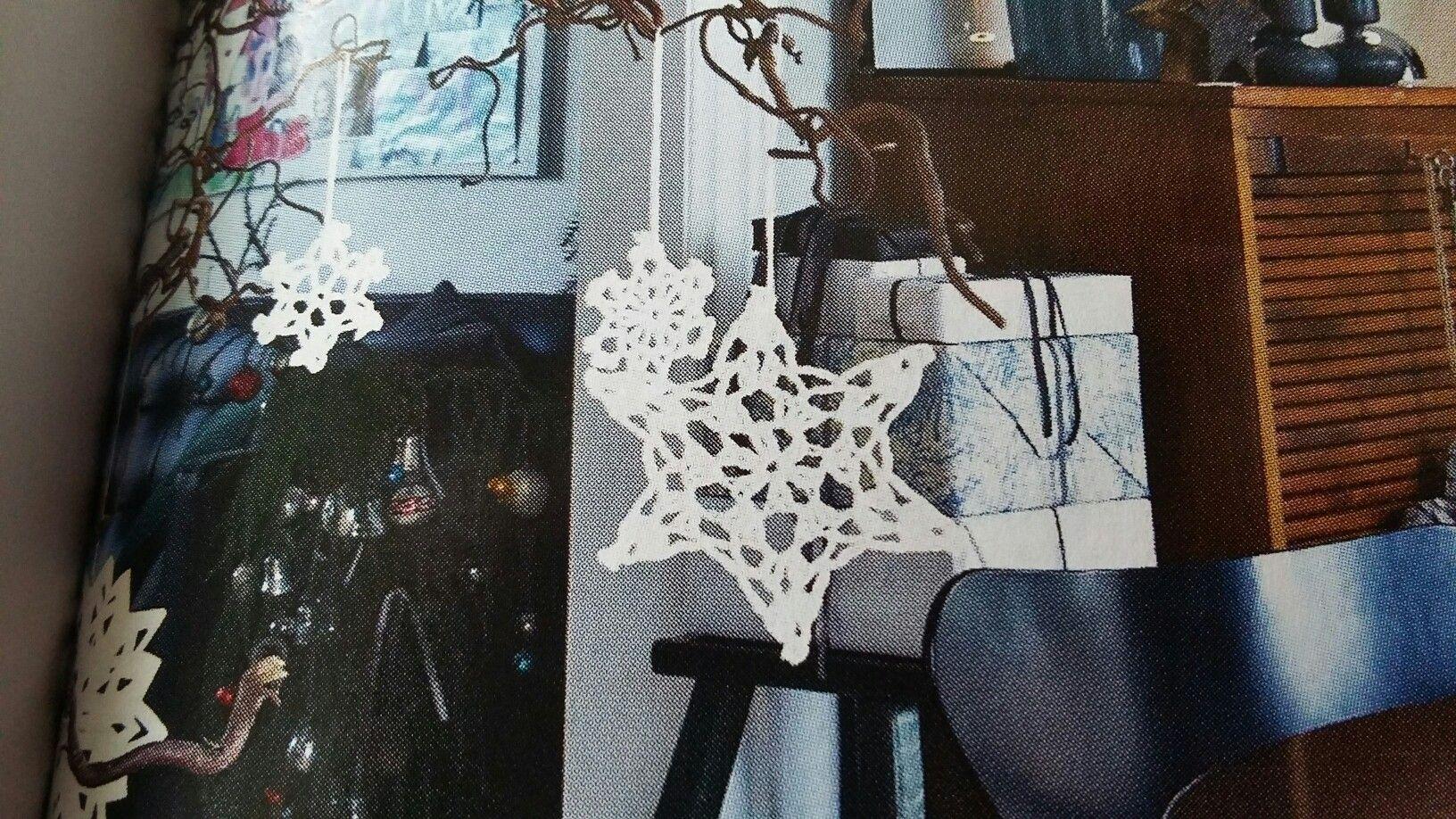 Stivede hæklet stjerne til juletræ