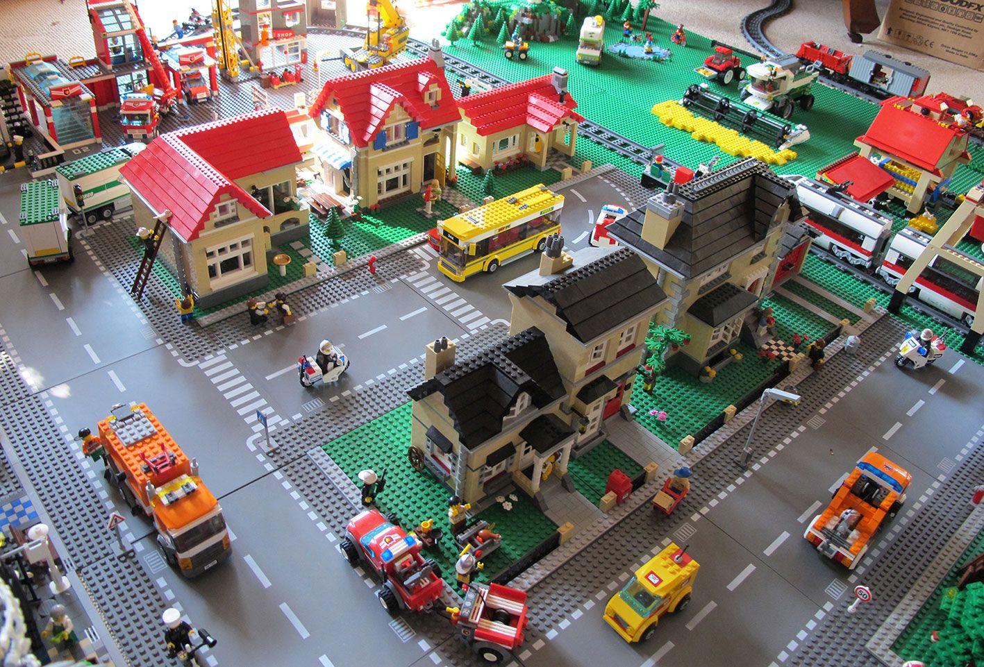 некоторых картинки лего города с машинами тоже так