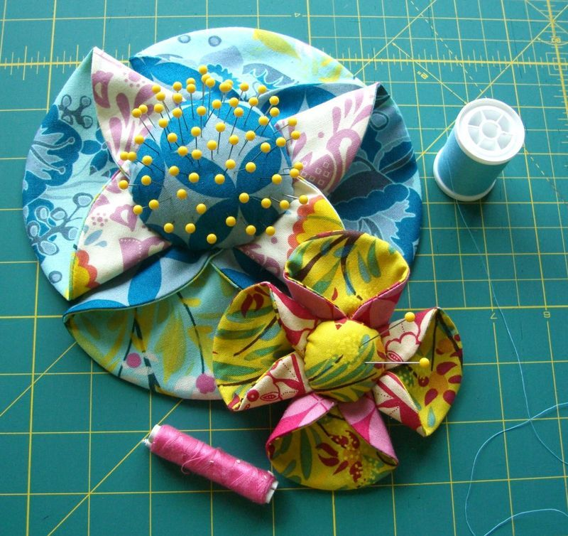 Sewing Flower pin cushions tutorial