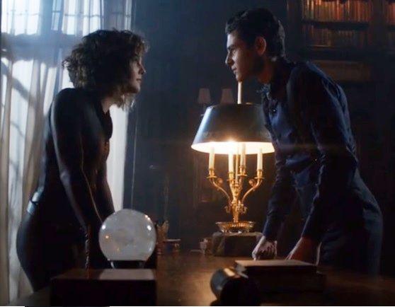 Camren Bicondova Gotham Season 4: And Now Kiss! >_