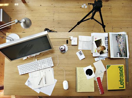 a month in the life of a graphic designer - Graphic Design Desks