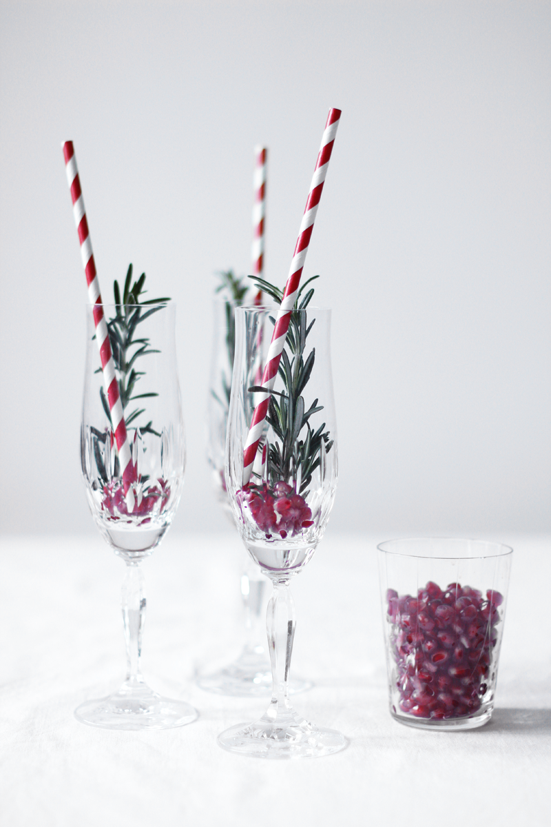 Drinks: Granatapfel-Rosmarin-Champagner-Cocktail - we love handmade