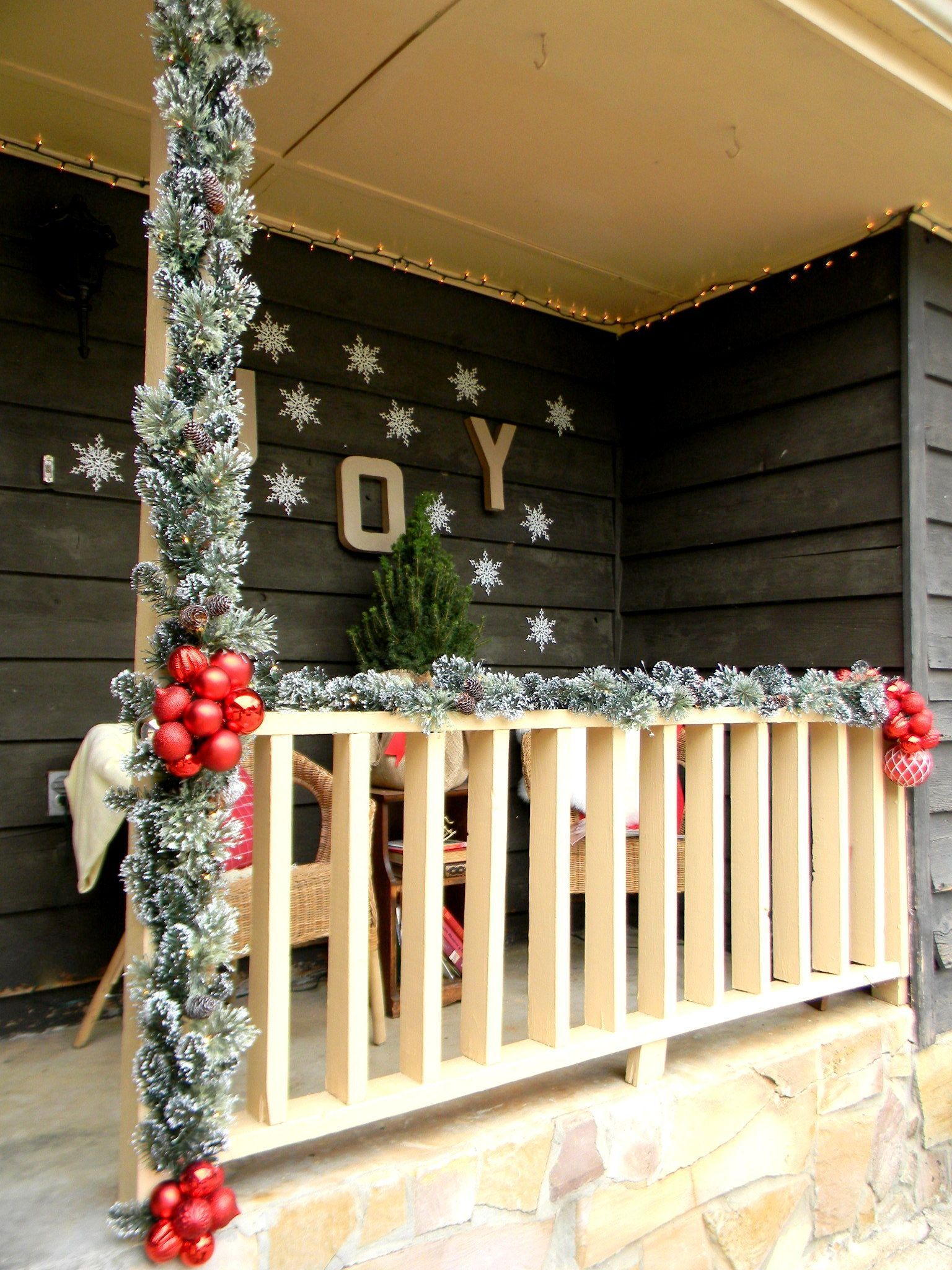 Front Porch Christmas Decorating Ideas A Country Christmas By Lakeitha