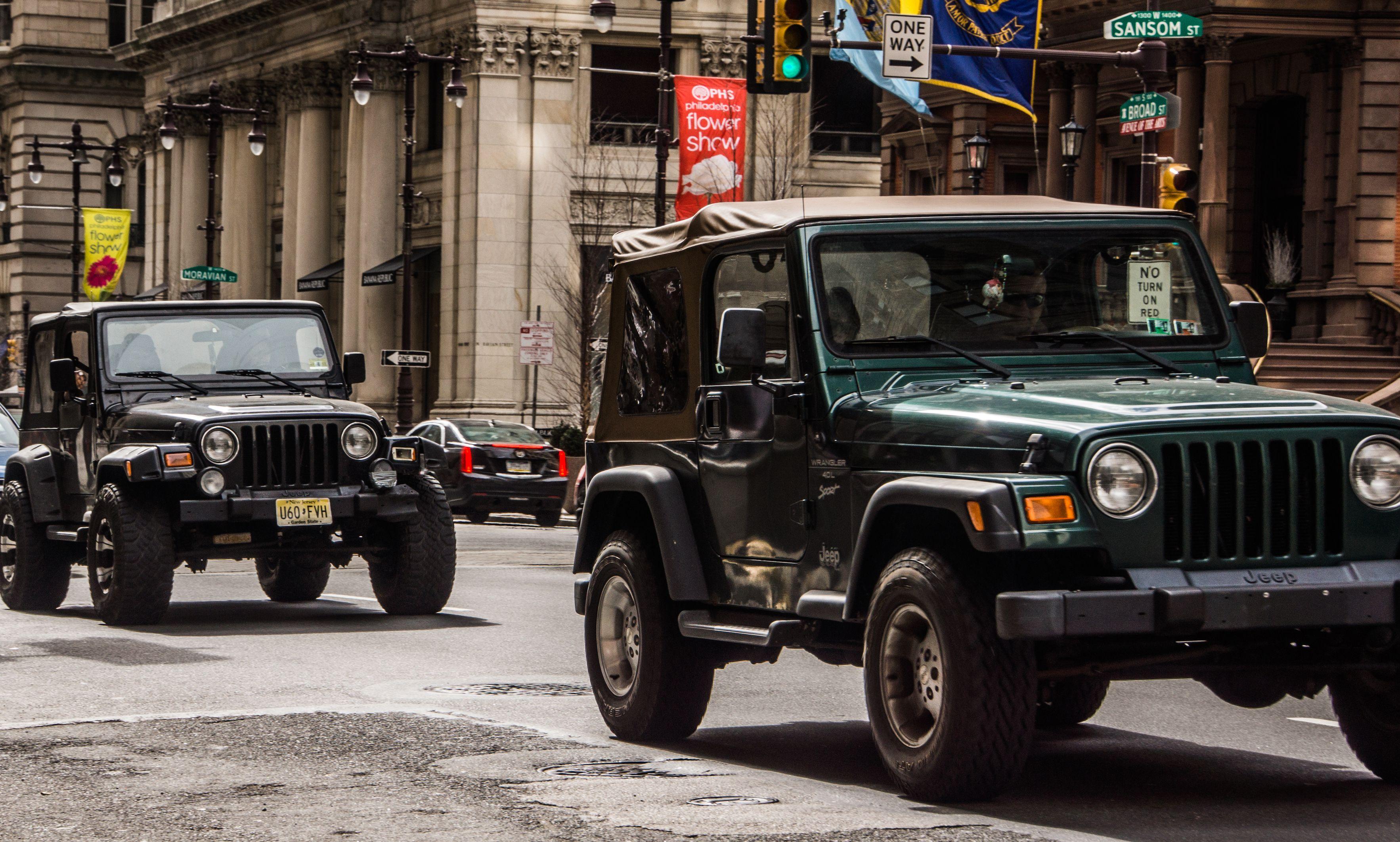 Maciek Cichon Jeep Monster Trucks Lady
