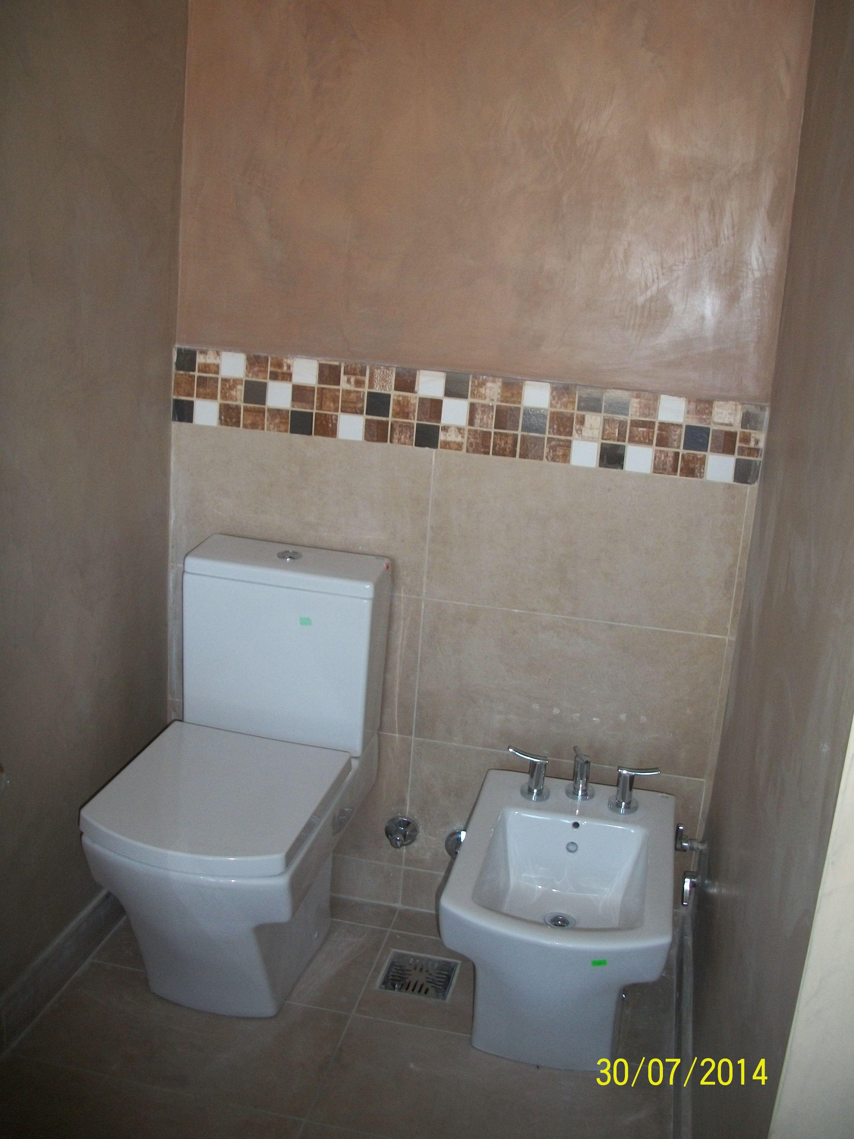Sector ba o principal se trataron las paredes con for Revestimiento para azulejos de bano