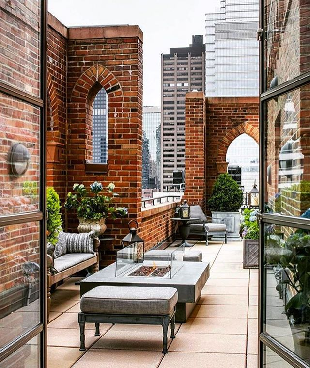 Manhattan Place Apartments Rentals: A Manhattan Penthouse Terrace With Stunning Design And