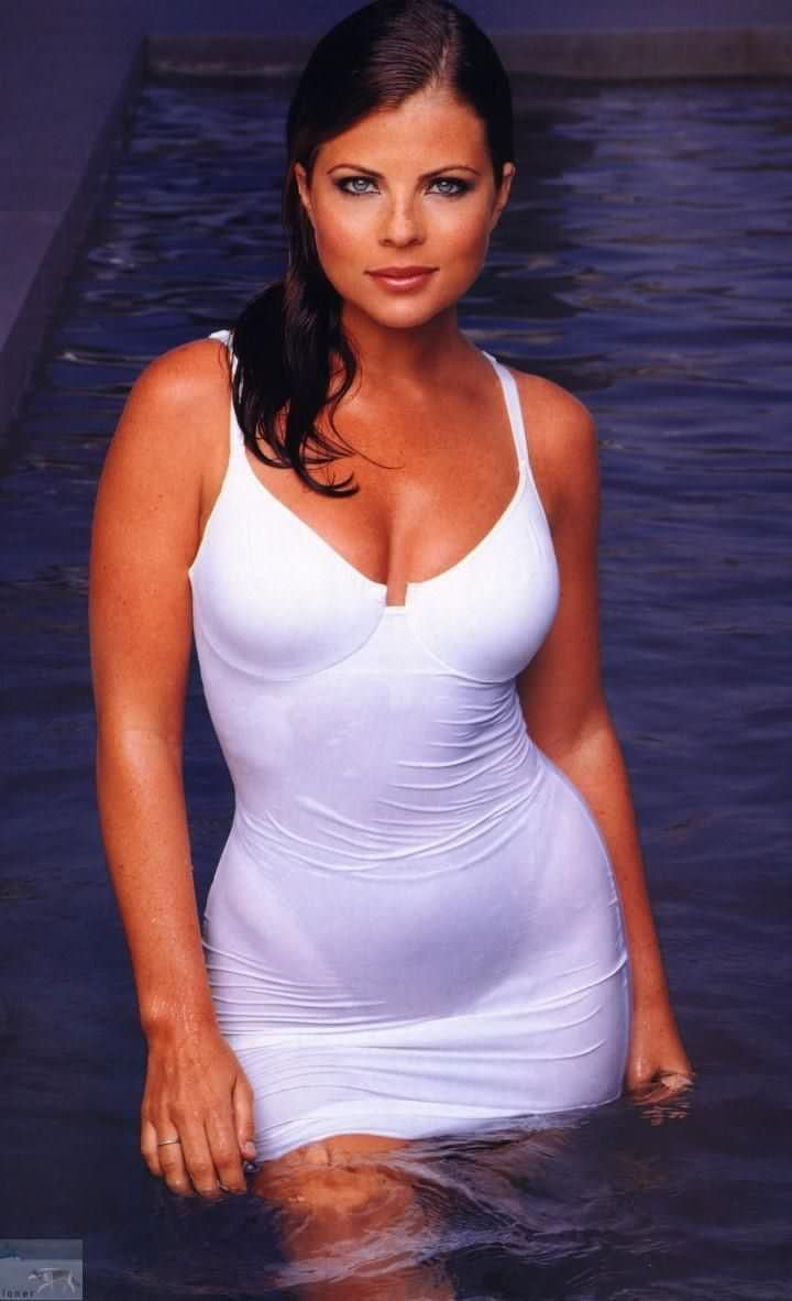 Yasmine Bleeth Nude Photos 60