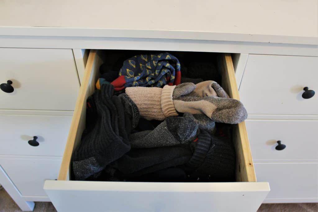 KonMari Folding - EXACTLY How to Fold Clothes like Marie Kondo #foldingclothes